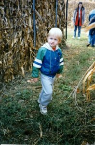 Jeffy at the corn maze