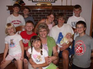 September 2007 Pictures of our kids, Grandma, and the rest of the cousins Of special note is the addition of Baby Holly.